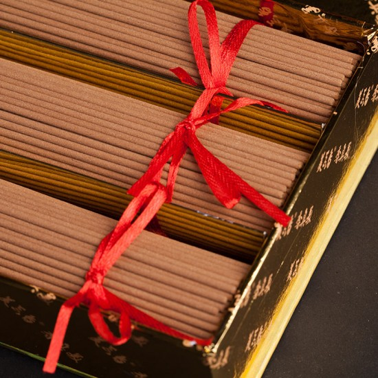 Bee Chin Heong Indian Mysore Sandalwood Incense Stick | 32.5 cm | est Qty: 600